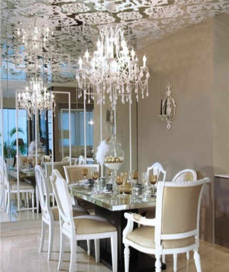 Mirrored Ceiling with Damask Pattern