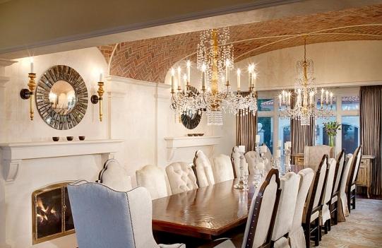 High Quality Rustic Elegant Mediterannean Dining Room