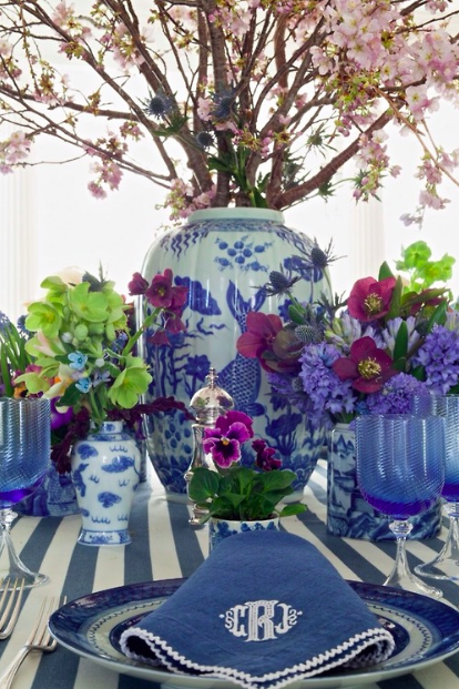 blue white purple flowers party entertain table
