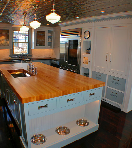 Kitchen with built in bowls