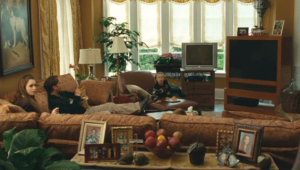 A picture of the family room from the movie.